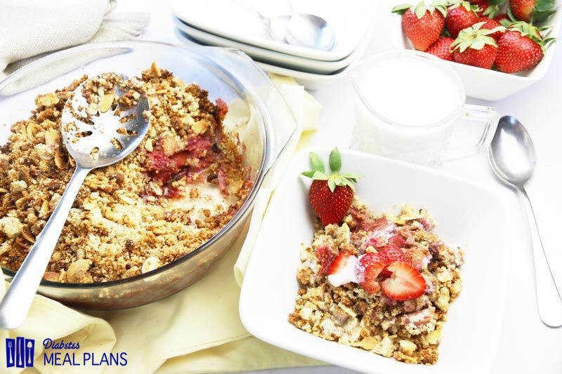 Low Carb Strawberry Rhubarb Crumble