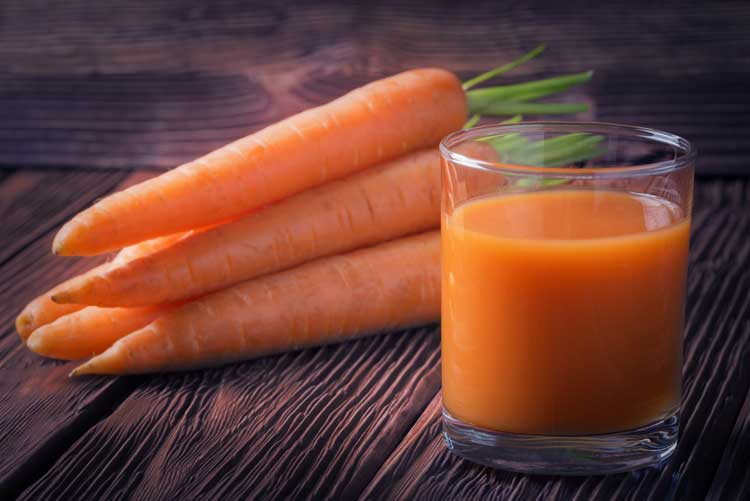 Carrot juice and carrots