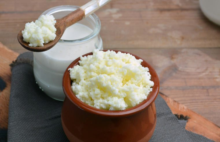 Milk kefir with kefir grains