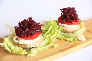 Turkey Burgers with Beet Relish (Low Carb)   ©DMP